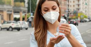 FFP2 Masken und Desinfektionsmittel